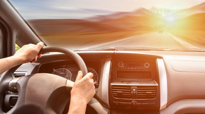Půjčka na auto - leasing nebo půjčka? Co je výhodnější?
