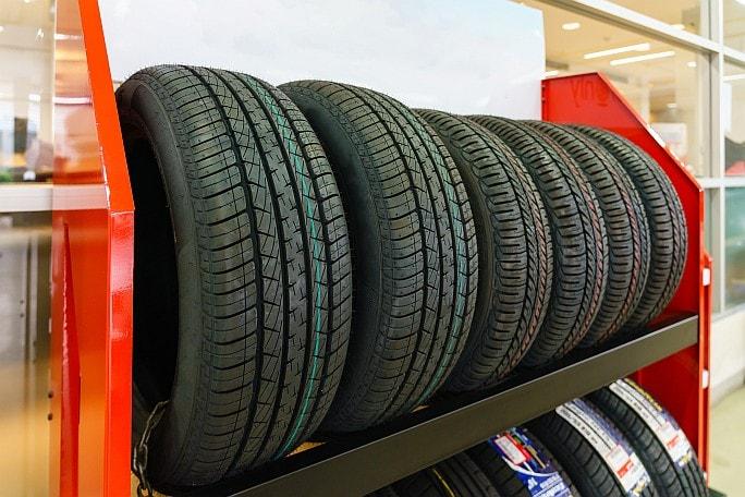 Vybíráme pneumatiky. Jaké parametry je důležité sledovat?